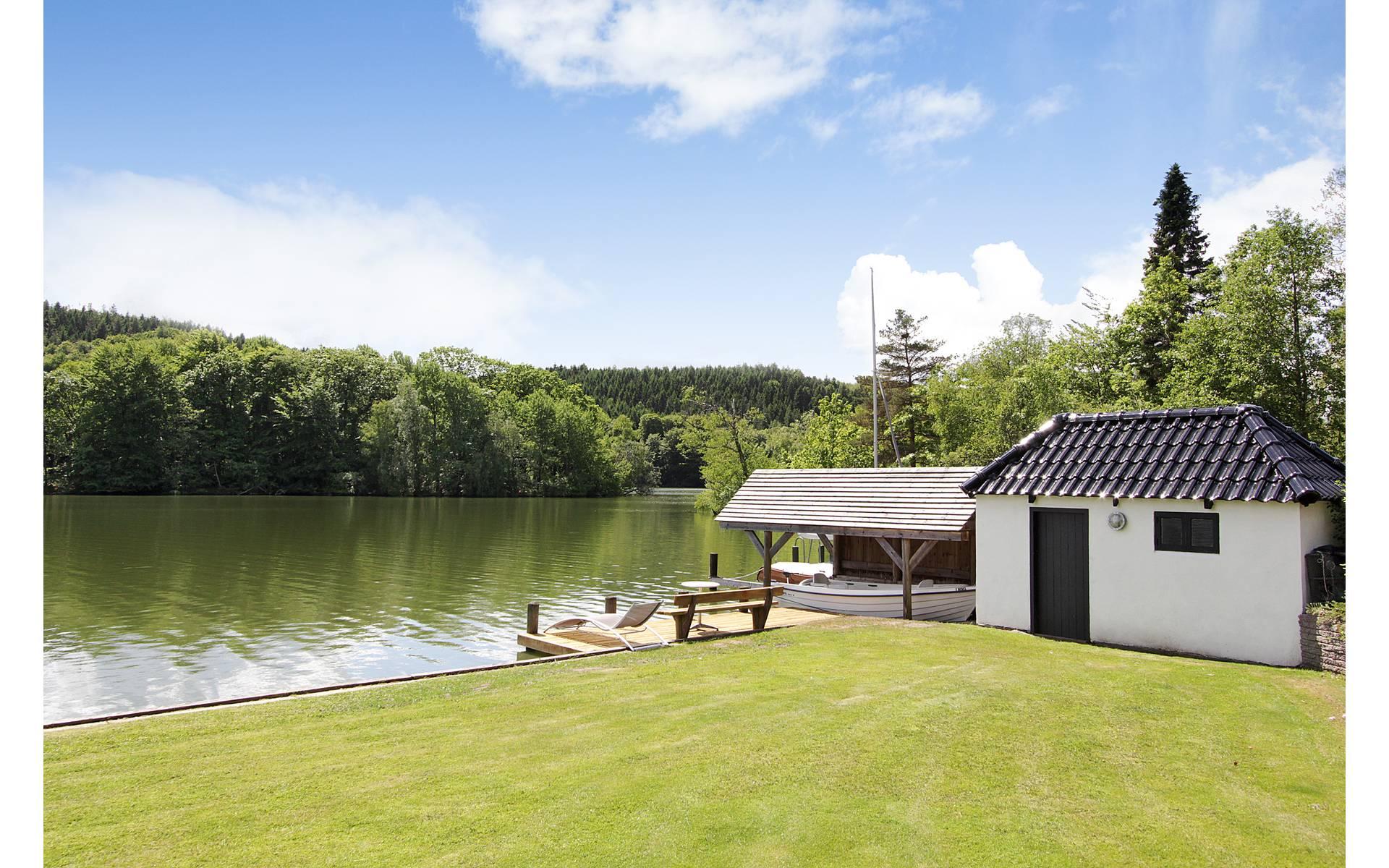 Una hermosa casa con vista al lago la casa de freja for Comprare casa al lago
